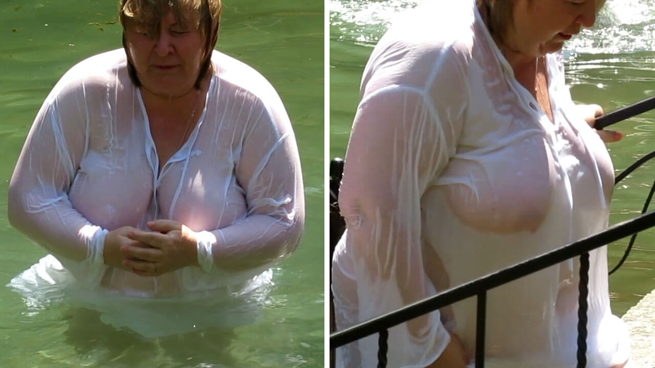 Wet large boobs